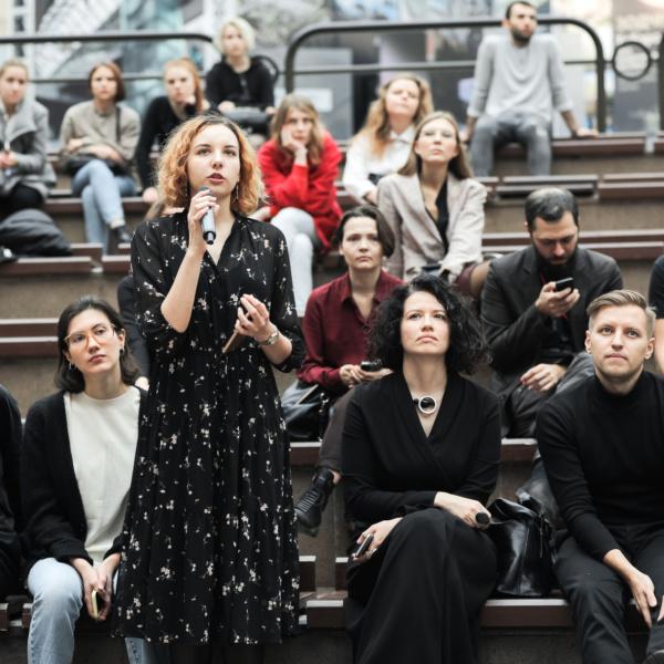 Жюри первого портфолио ревью фестиваля Зодчество. Елена Овденко. Фотография предоставлена организаторами фестиваля.