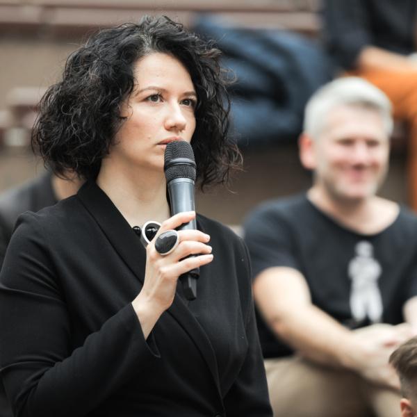 Жюри первого портфолио ревью фестиваля Зодчество. Юлия Лисенкова. Фотография предоставлена организаторами фестиваля.